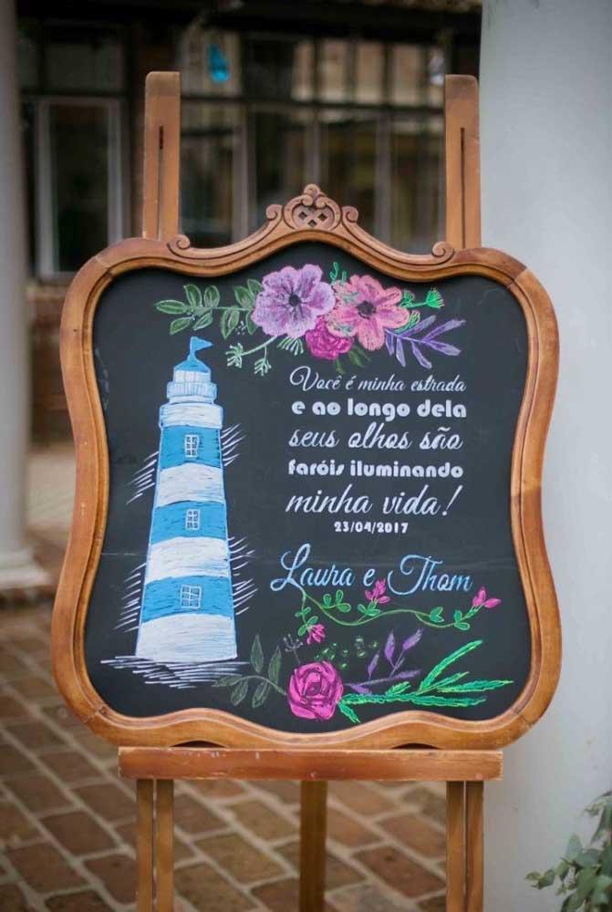 Plaquinha de casamento personalizada e romântica para a entrada da festa, feita em lousa