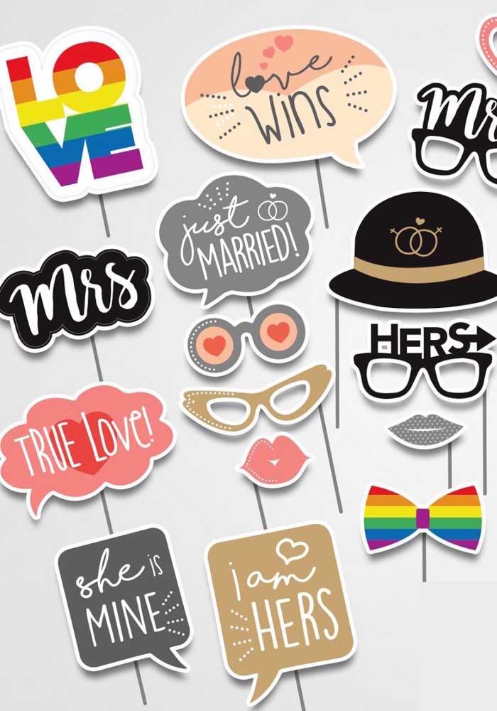 Plaquinhas de diferentes tipos para utilizar durante a comemoração do casamento