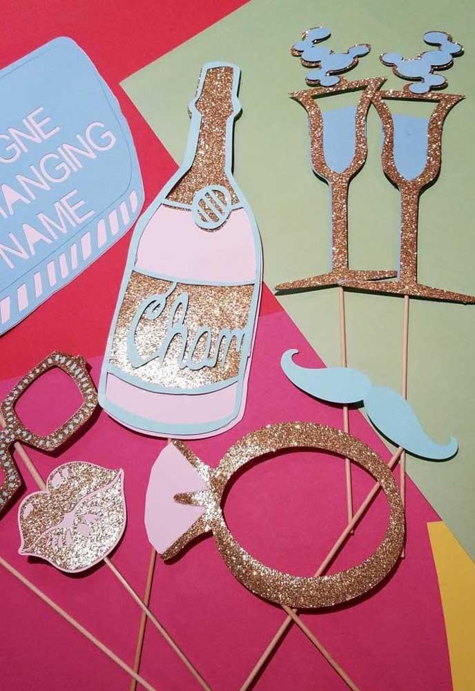 Opções de plaquinhas de casamento com glitter; puro charme!