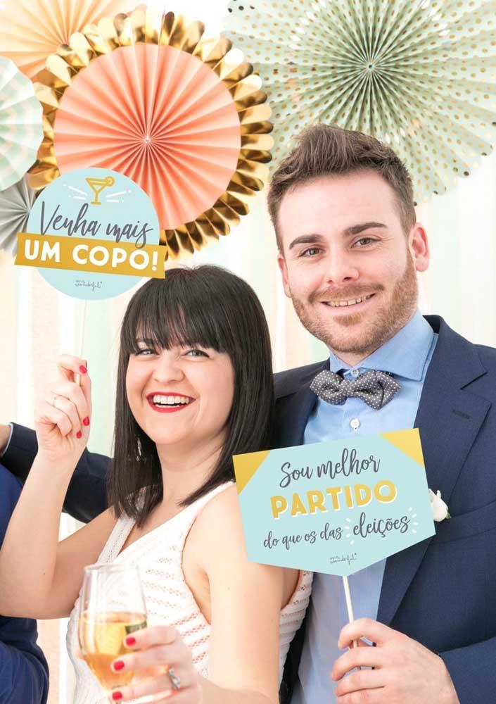 Plaquinhas de casamento divertidas, perfeitas para animar a festa pós cerimônia