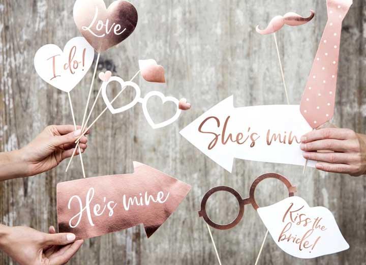 Lindas plaquinhas de casamento nas tonalidades rosé gold e branco, perfeito para cerimônias mais intimistas e delicadas
