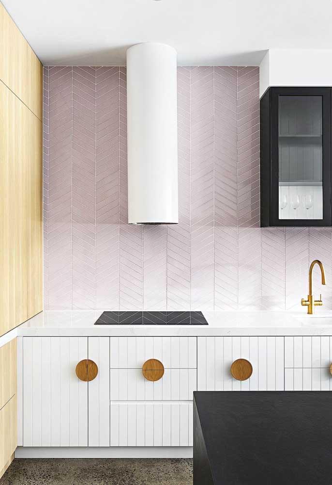Se você deseja fazer uma decoração mais suave e delicada, use tons de roxo claro.