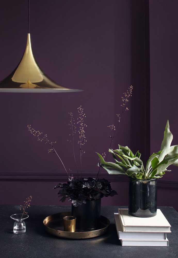 Uma decoração se torna perfeita quando você consegue combinar as cores da parede com a escolha dos elementos decorativos.