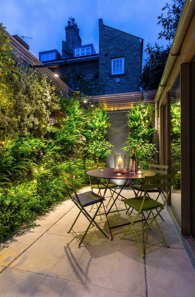 O jardim moderno pode contar com a opção vertical, principalmente quando não se tem muito espaço disponível