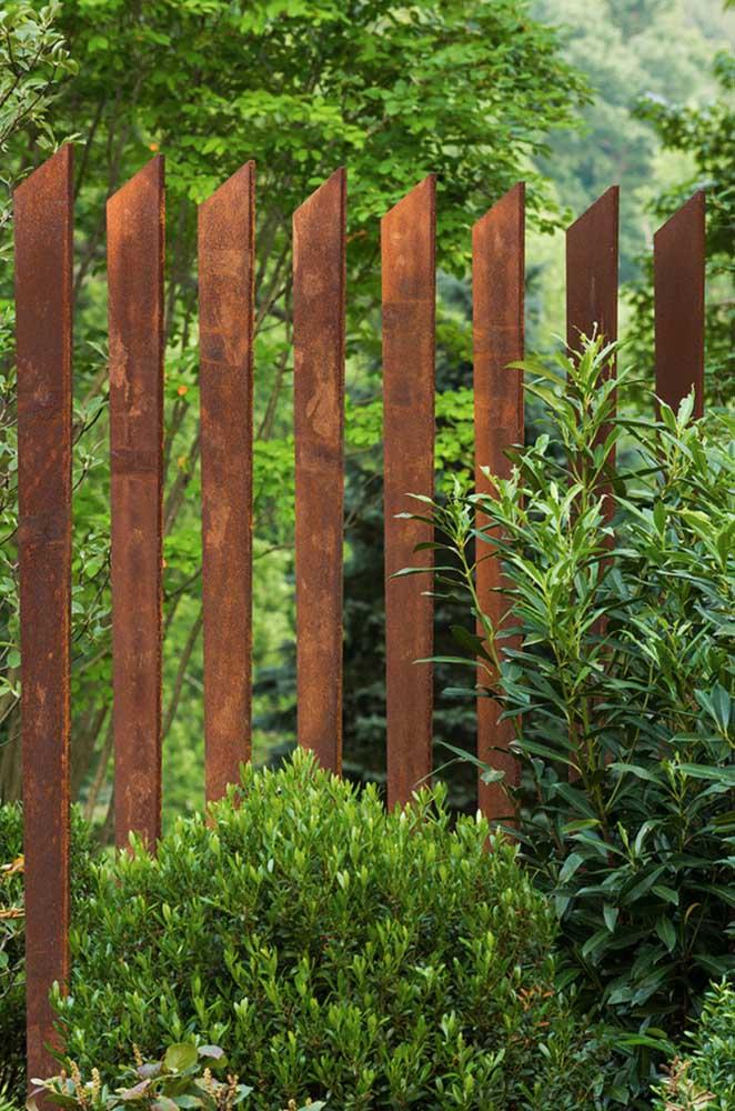 Cerca de aço corten; uma alternativa ao uso da madeira