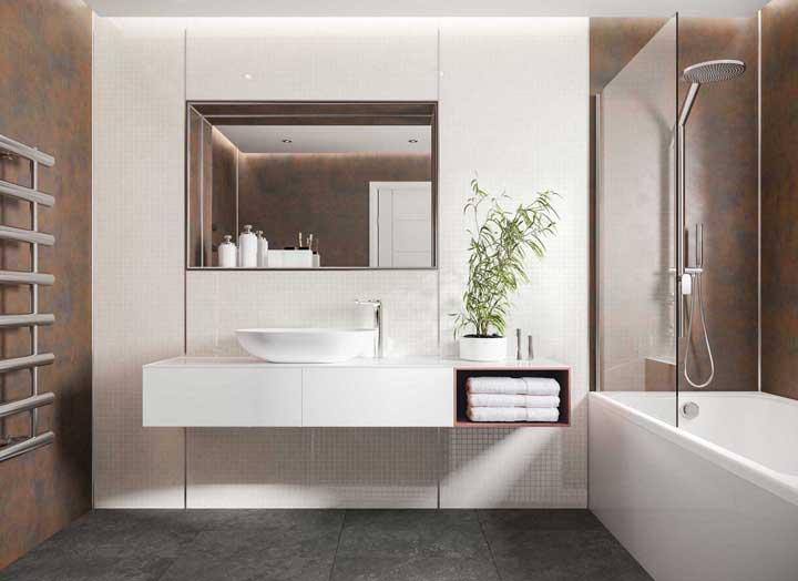 Aço corten na parede do banheiro: aquele toque que faltava no projeto de interiores