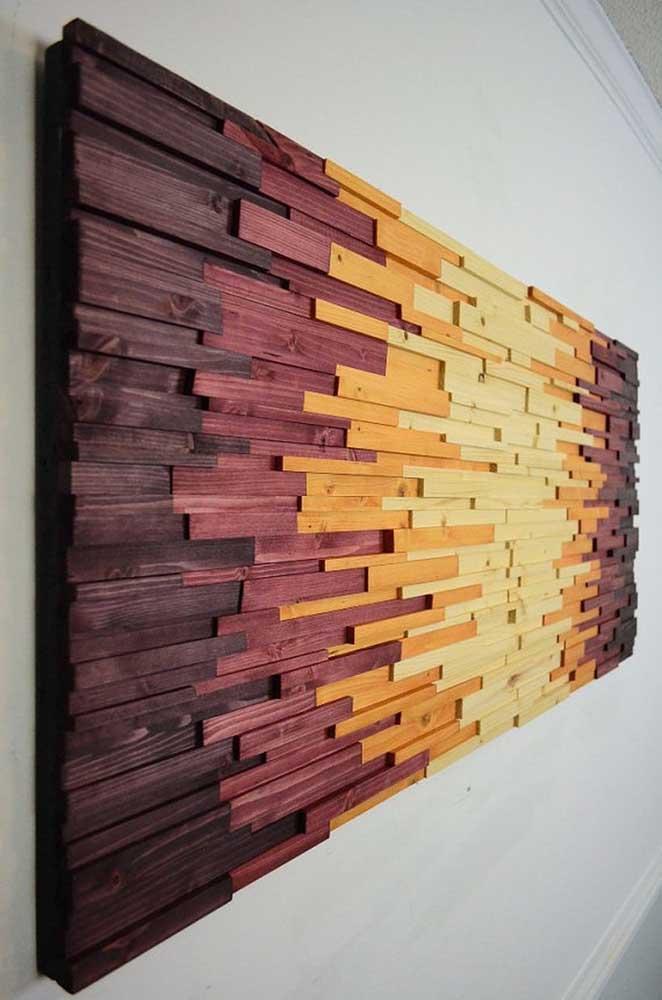 Marchetaria com filetes coloridos de madeira para decorar a parede