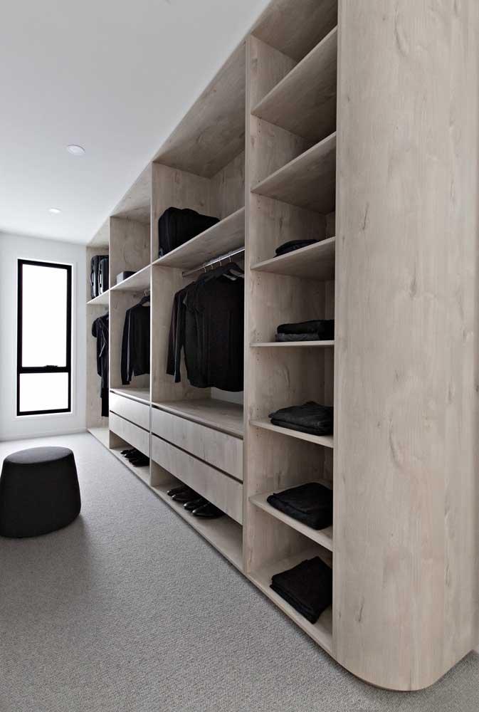 Armário cápsula planejado; você não precisa se desfazer do closet ou guarda roupa, basta adaptá-lo à nova realidade