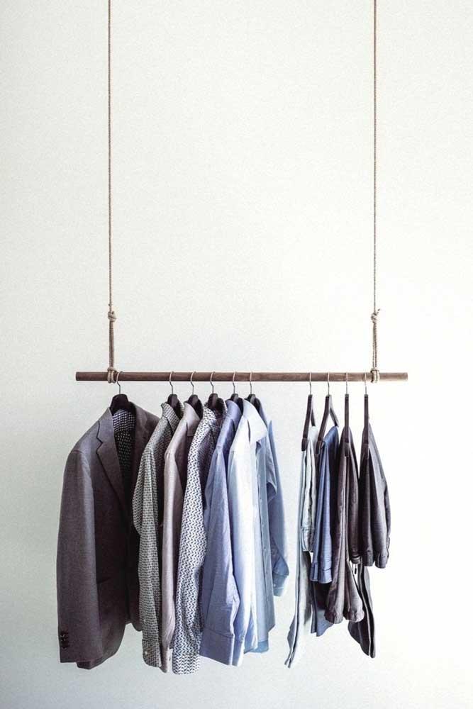 Minimalismo no suporte de roupas também
