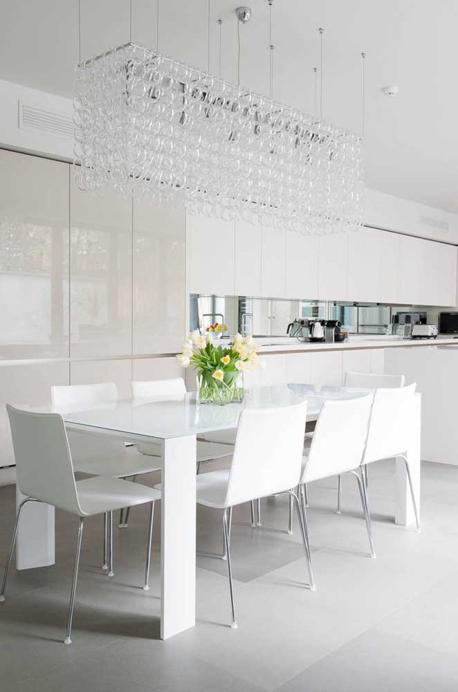 Sala de jantar branca, branquíssima!