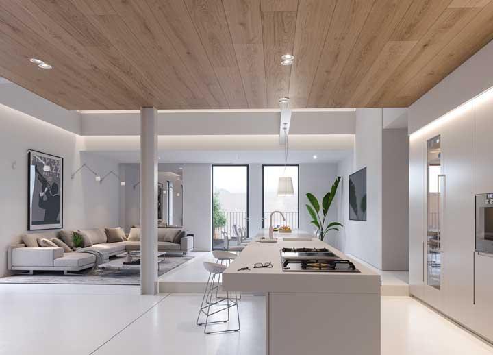 Os ambientes integrados ficam ainda mais valorizados com a cor branca