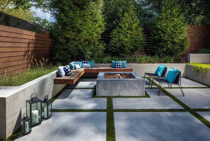 Piso de concreto e grama: uma combinação bonita e barata