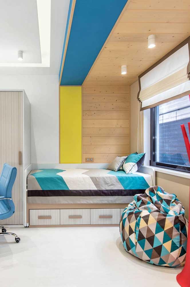 Puff redondo macio e colorido para o quarto jovem
