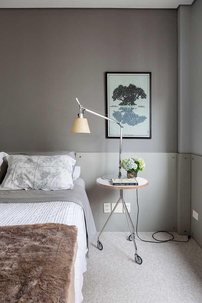 Quantos tons de cinza você consegue diferenciar nesse quarto? São eles que fazem a diferença na decoração