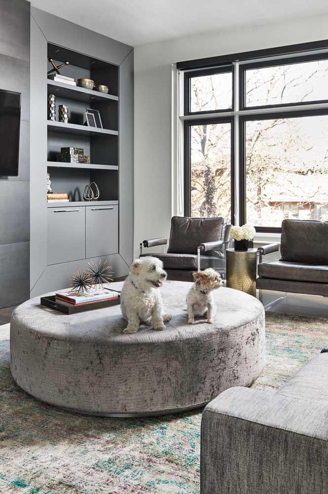 Para uma sala moderna, elegante e confortável, já sabe, né? Use cinza!