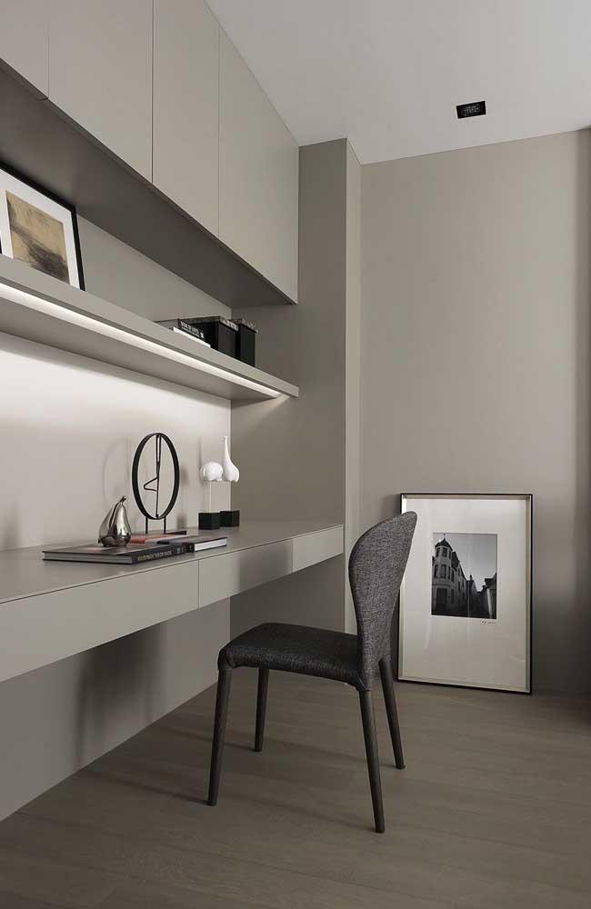 Decoração minimalista com cinza na base