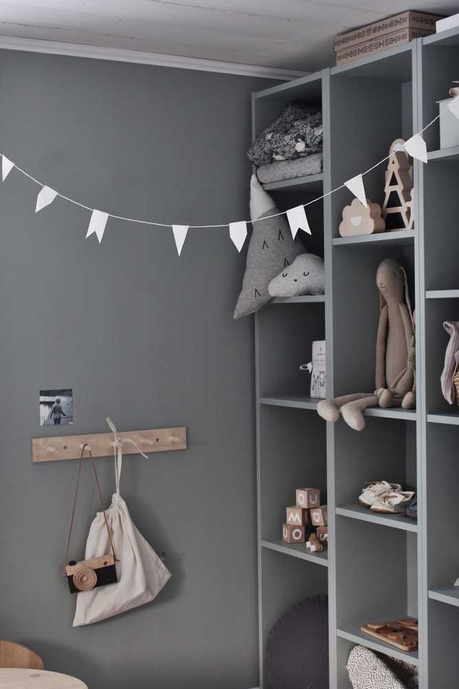 O quarto infantil fica moderno e despojado com o uso do cinza