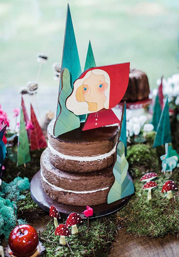 O bolo precisa combinar com o tema, sem deixar de ser delicioso.