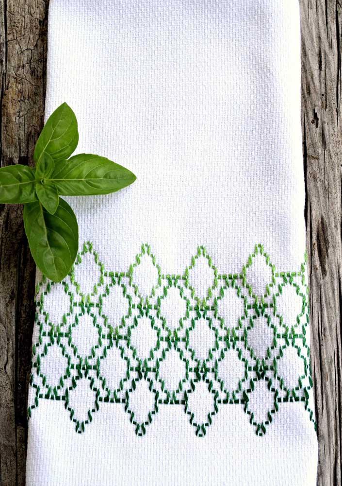Linda opção de bordado vagonite para o pano de prato; o desenho se alinhou muito bem ao degrade de verde