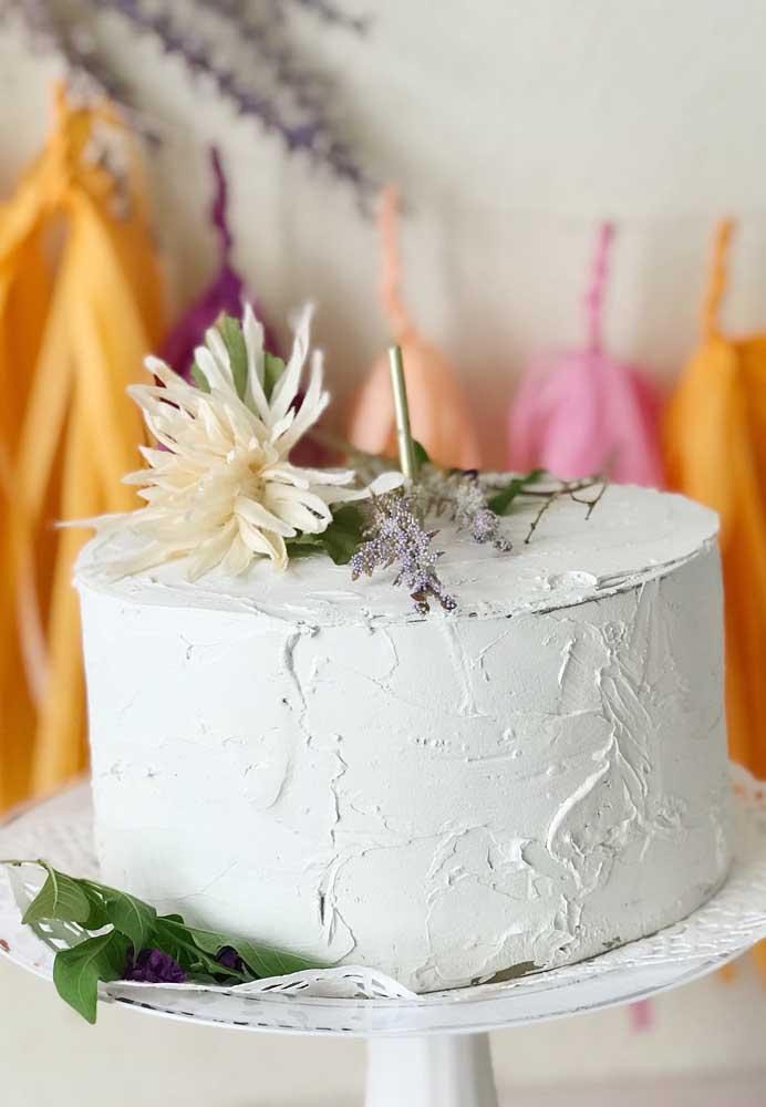 Independente da escolha, o bolo de casamento é um item que merece toda a sua atenção.