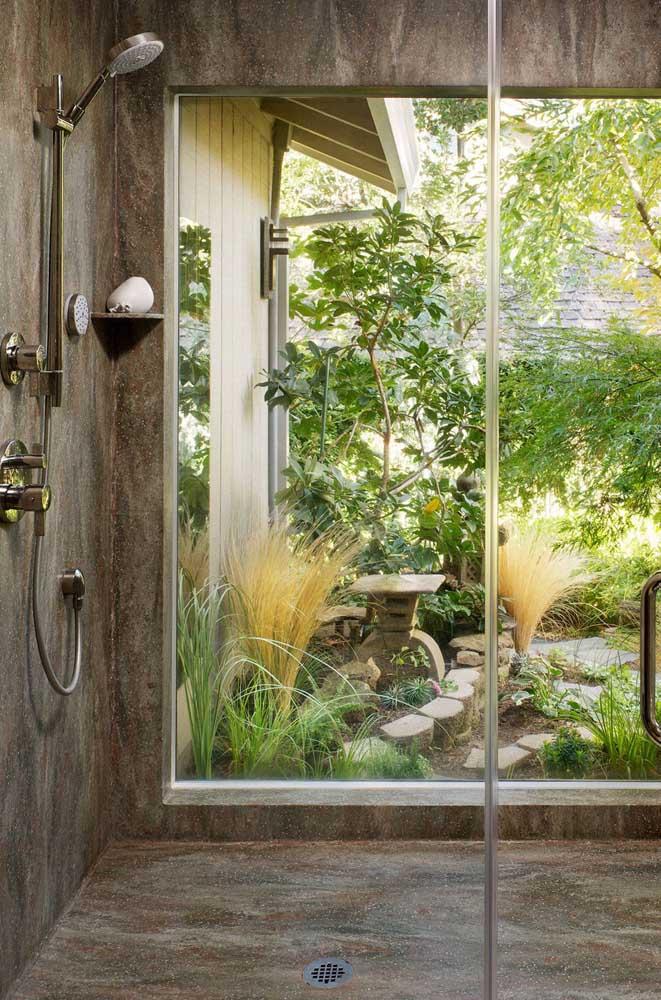 Que tal um banho com vista para o jardim zen?