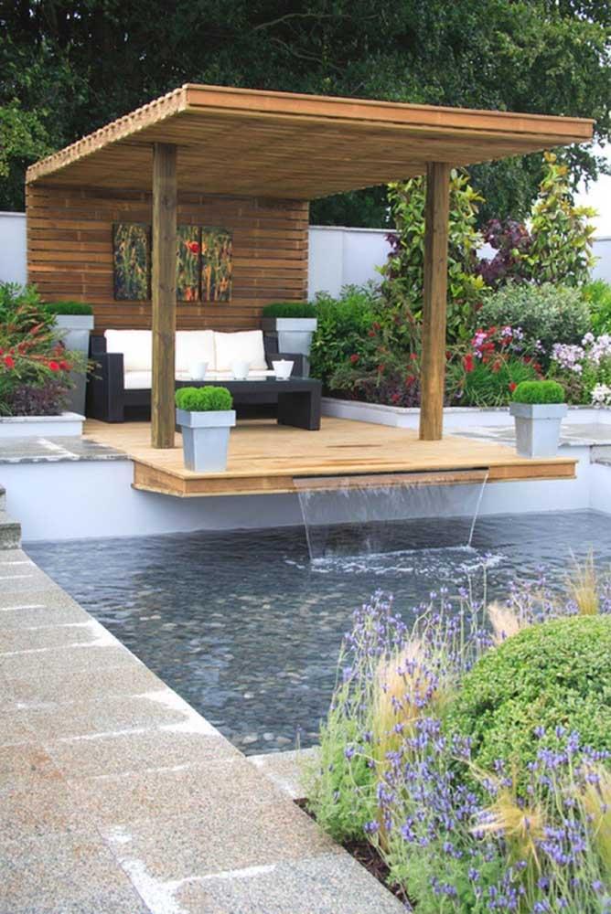 Piscina, gazebo e jardim zen: uma área externa para se apaixonar