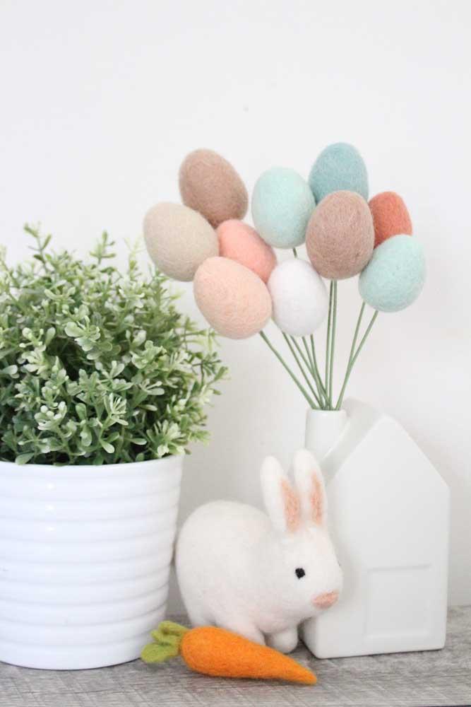 Ovinhos, cenoura e coelho: ícones da Páscoa reunidos na mesma decoração