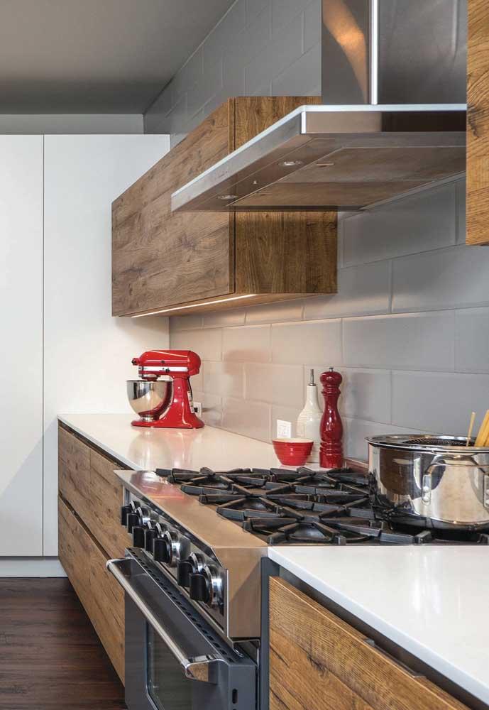 Um batedeira vermelha e você já não precisa de outros enfeites na cozinha