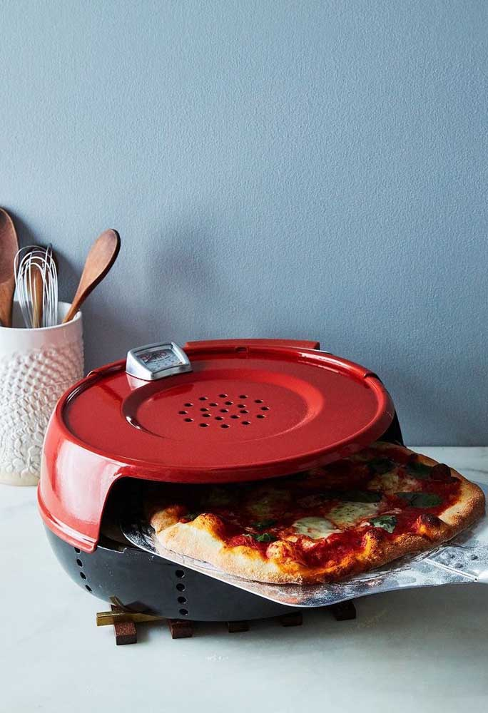 Uma graça de forninho vermelho para pizza; além de lindo é super funcional para o dia a dia