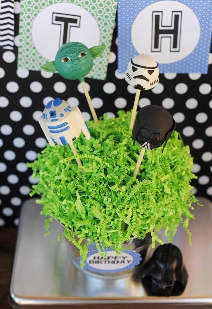 Use a carinha dos personagens principais para decorar cada cantinho da festa.