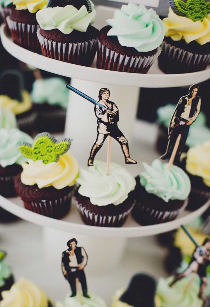 O cupcake Star Wars fica ainda mais interessante quando personalizado com os principais personagens.