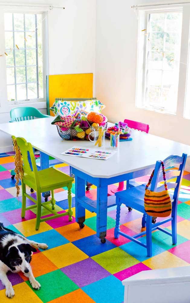 Abuse das cores alegres e vibrantes nos projetos de upcycling