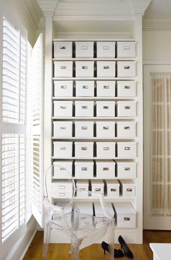 Não jogue fora suas caixas de sapato, utilize-as para organizar o closet