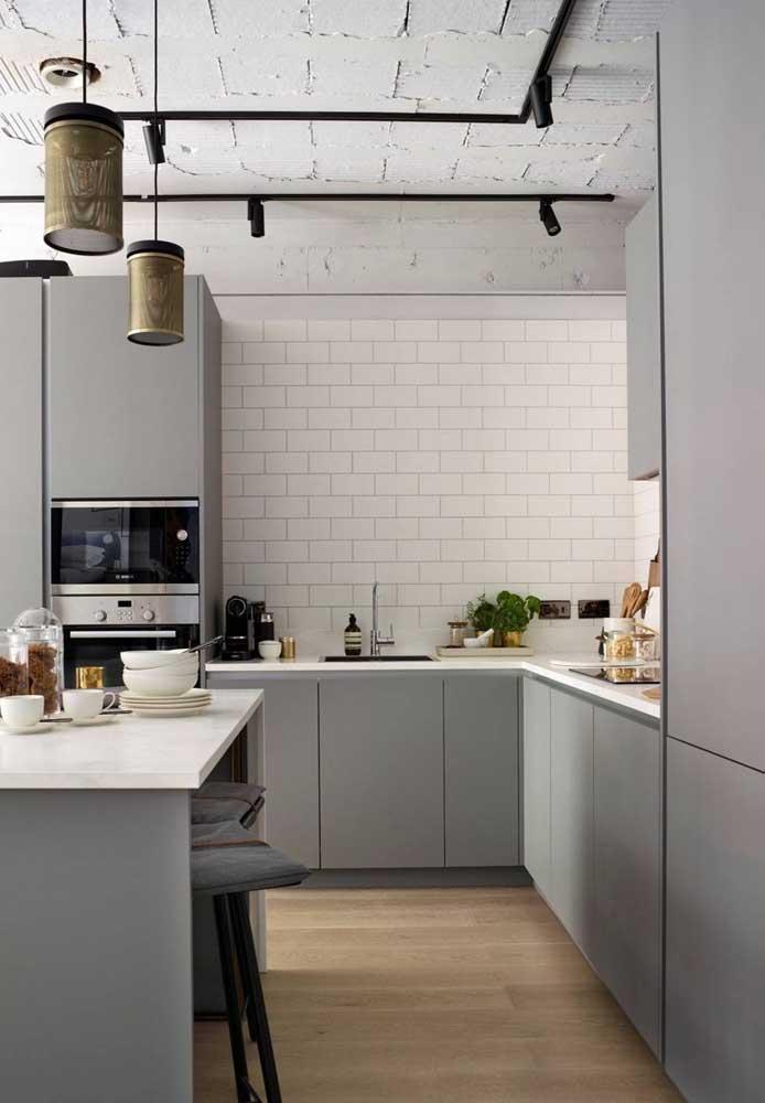 Cozinha moderna e industrial combina com o quê? Subway tile!