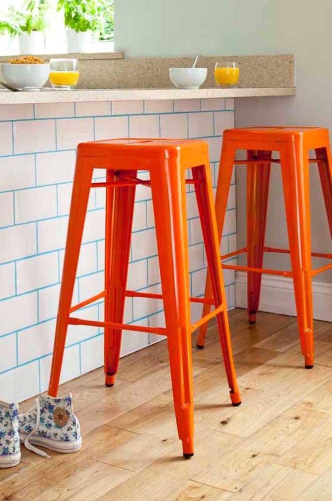 Os subway tiles também podem ser usados para revestir bancadas, balcões e ilhas
