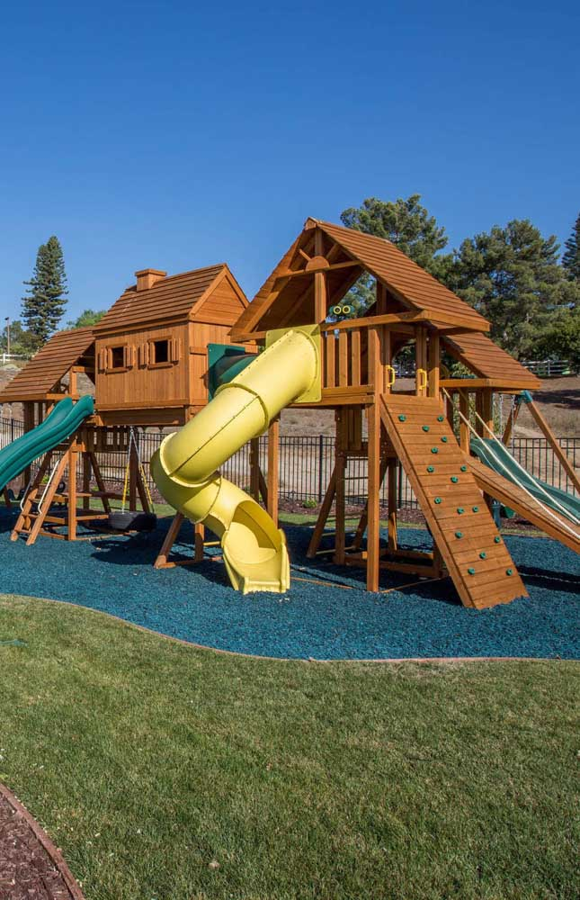 Em espaços de uso compartilhado, priorize um projeto de playground capaz de atender a todas as crianças