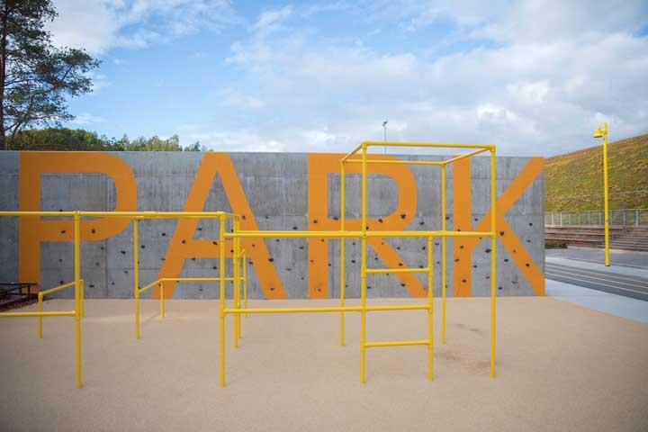 Playground simples, mas que diverte e muito as crianças