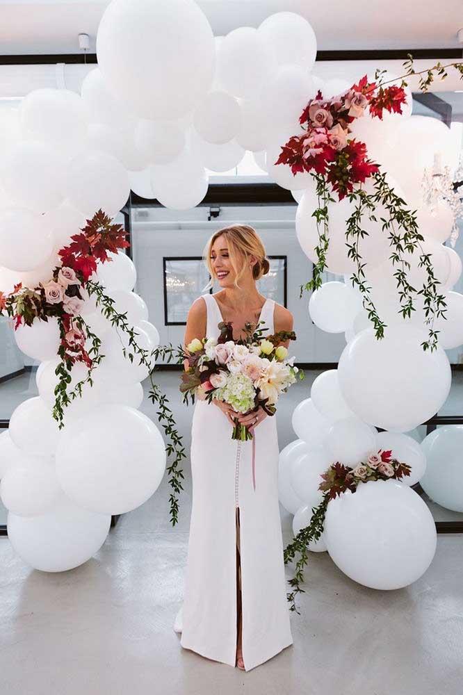 Arco de bexigas brancas para casamento; um super efeito fácil e barato de fazer