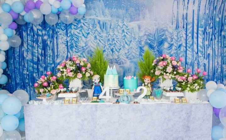 Decoração de festa infantil Frozen: 90 ideias incríveis para decorar agora