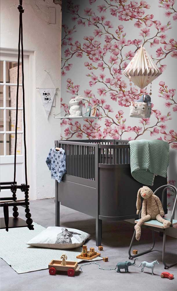 Flores de cerejeira para o quarto de bebê