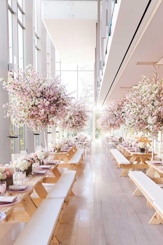 As flores de cerejeira dão um lindo show também em festas e eventos