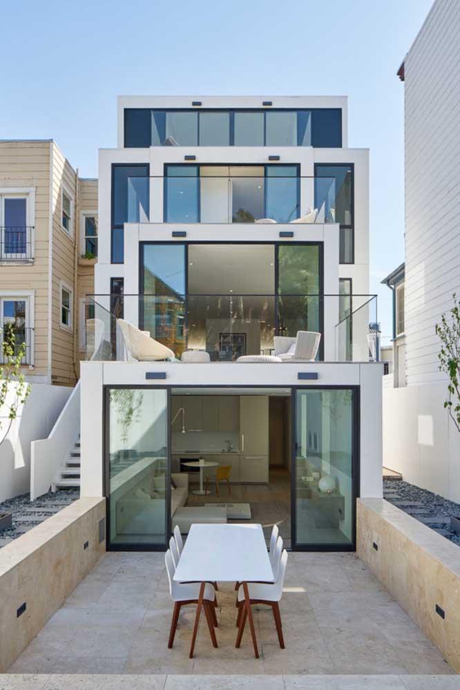 Exemplo contemporâneo de construção em Steel Frame com varandas em pavimentos diferentes
