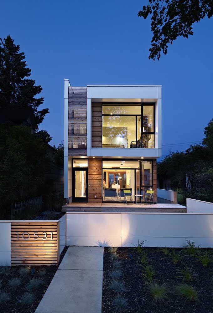 Casa moderna com estrutura em Steel Frame e dois pavimentos