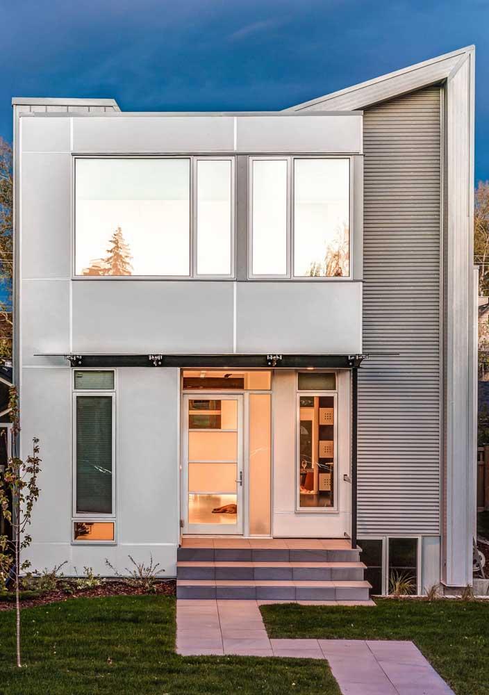 Uma fachada cheia de estilo na casa construída em Steel Frame