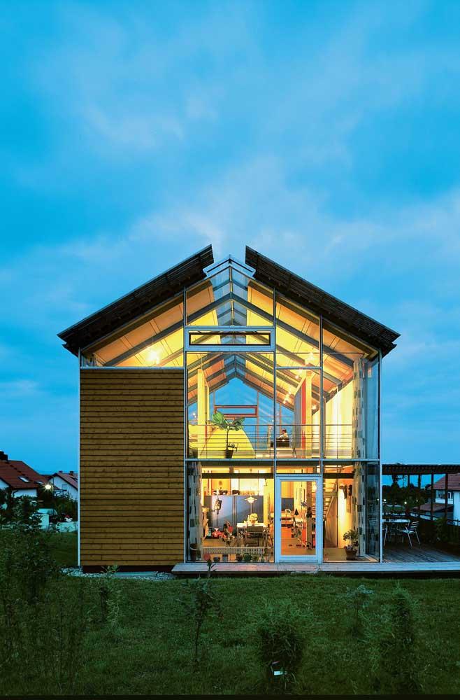 Outra opção super moderna de imóvel em Steel Frame, com paredes de vidro para valorizar a vista externa da residência