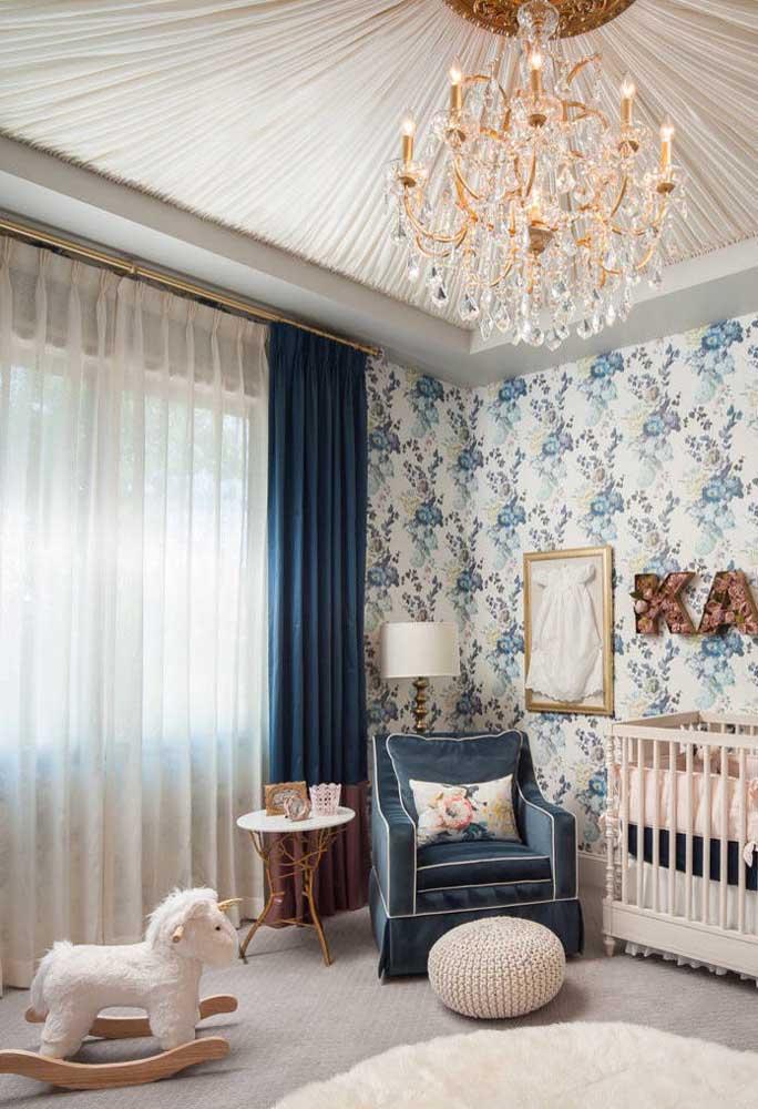 O voil branco é item indispensável nas cortinas, mesmo que seja usado somente para o forro
