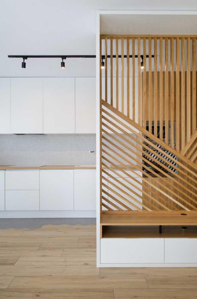 Cozinha com branco e madeira: um clássico do uso da dupla
