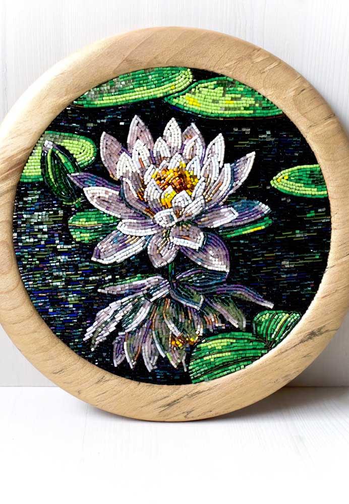 Quadro bordado com a Flor de Lótus
