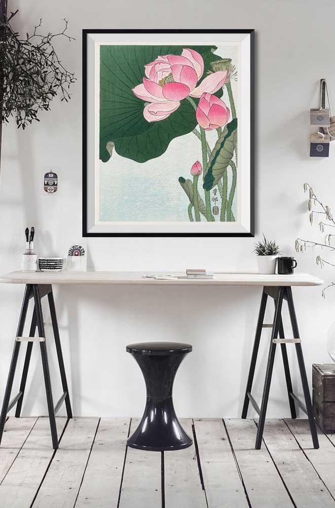A Flor de Lótus rosa traz cor e vida ao home office de estilo escandinavo
