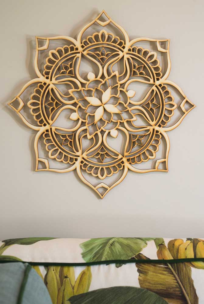 Mandala de madeira inspirada na Flor de Lótus